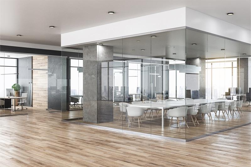 Kontor med lydglas. Lydisolering indendørs. njpglas.dk i Næstved